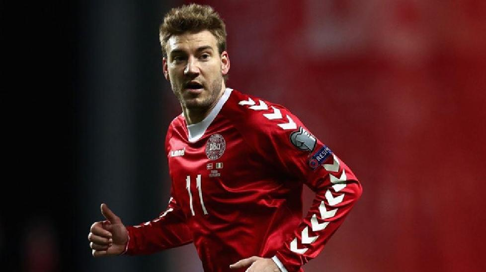 Nicklas Bendtner giúp đội bóng mới bán hết áo đấu chỉ trong một ngày