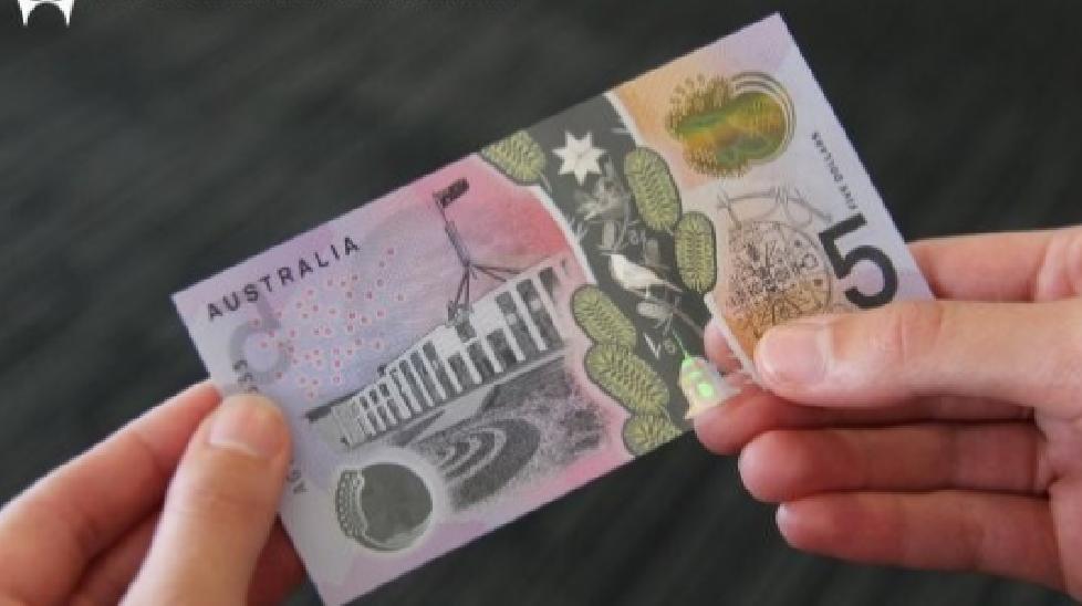 Australia phát hành tiền giấy có dấu hiệu dành cho người khiếm thị