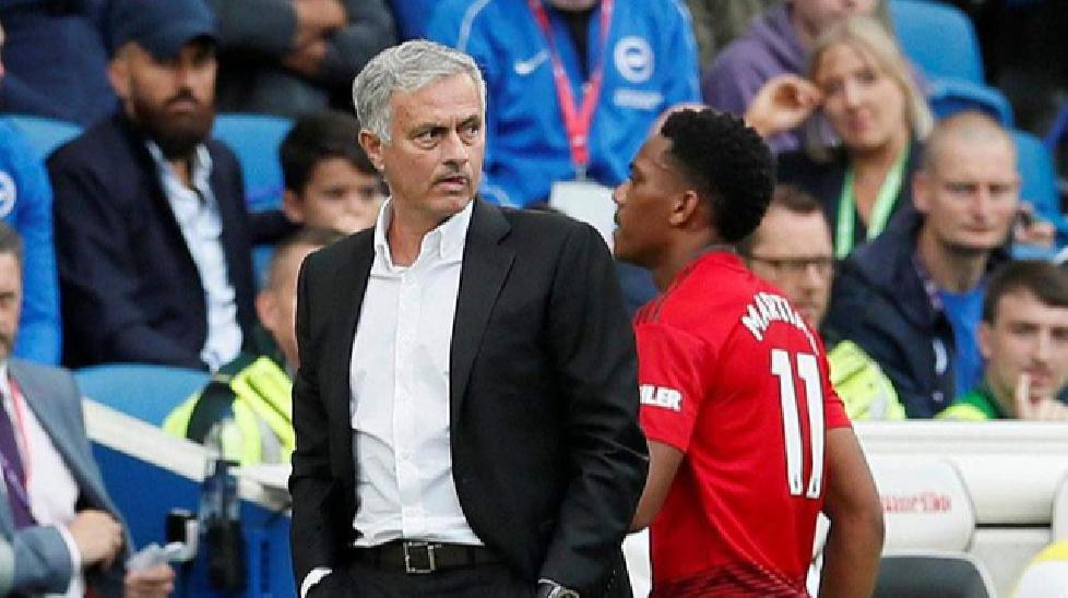 HLV Mourinho muốn tống khứ Martial càng sớm càng tốt