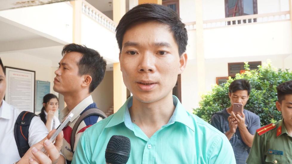 BS Hoàng Công Lương xúc động khi được người nhà nạn nhân ủng hộ