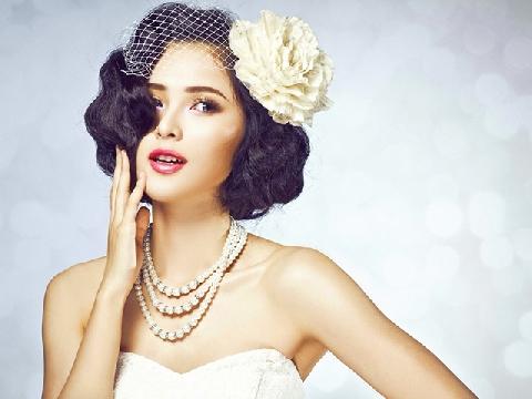 Học cách trang điểm cô dâu theo phong cách ''ông bà anh''