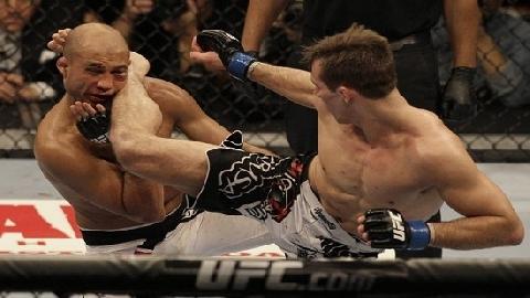 50 pha knock-out đỉnh cao của MMA, Taekwondo, Capoeira (P4)