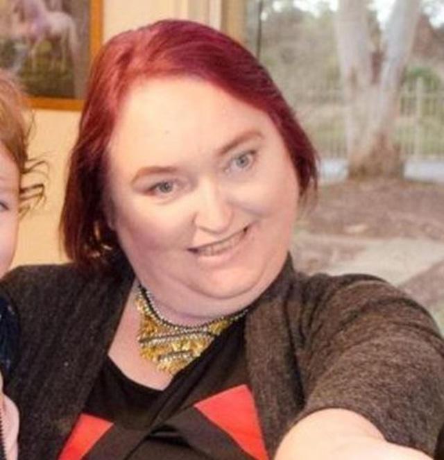 Bà mẹ đã dùng cây mascara mua từ 20 năm trước