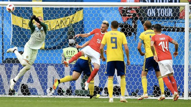 Thuỵ Điển vào tứ kết World Cup lần đầu kể từ năm 1994 - 1