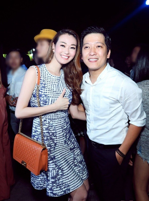 Trước đó, vào đầu tháng 5/2018, Khánh My từng tiết lộ Trường Giang theo đuổi cô khi đang yêu Nhã Phương khiến cả showbiz dậy sóng. Tuy nhiên, khi nói về người yêu hiện tại, nữ diễn viên đều kiên quyết giữ bí mật.