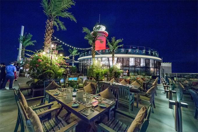 Quán bar bãi biển ở Việt Nam lãng mạn mới nhìn thôi đã muốn thử - 3