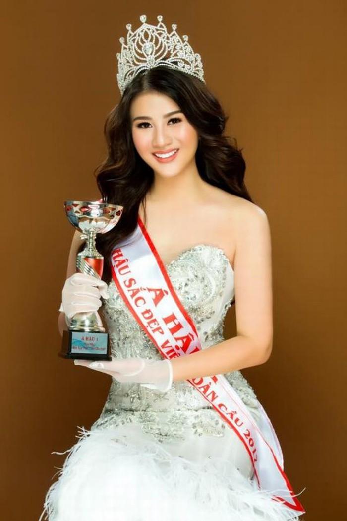 Thái Mỹ Linh đăng quang ngôi vị Á hậu 1 cuộc thi Hoa hậu Sắc đẹp Việt toàn cầu 2017.