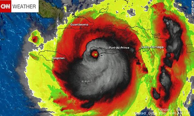 Trước đó, siêu bão Mattthew năm 2016 từng gây thiệt hại nặng nề ở Mỹ cũng được ghi nhận có hình đầu lâu đáng sợ.