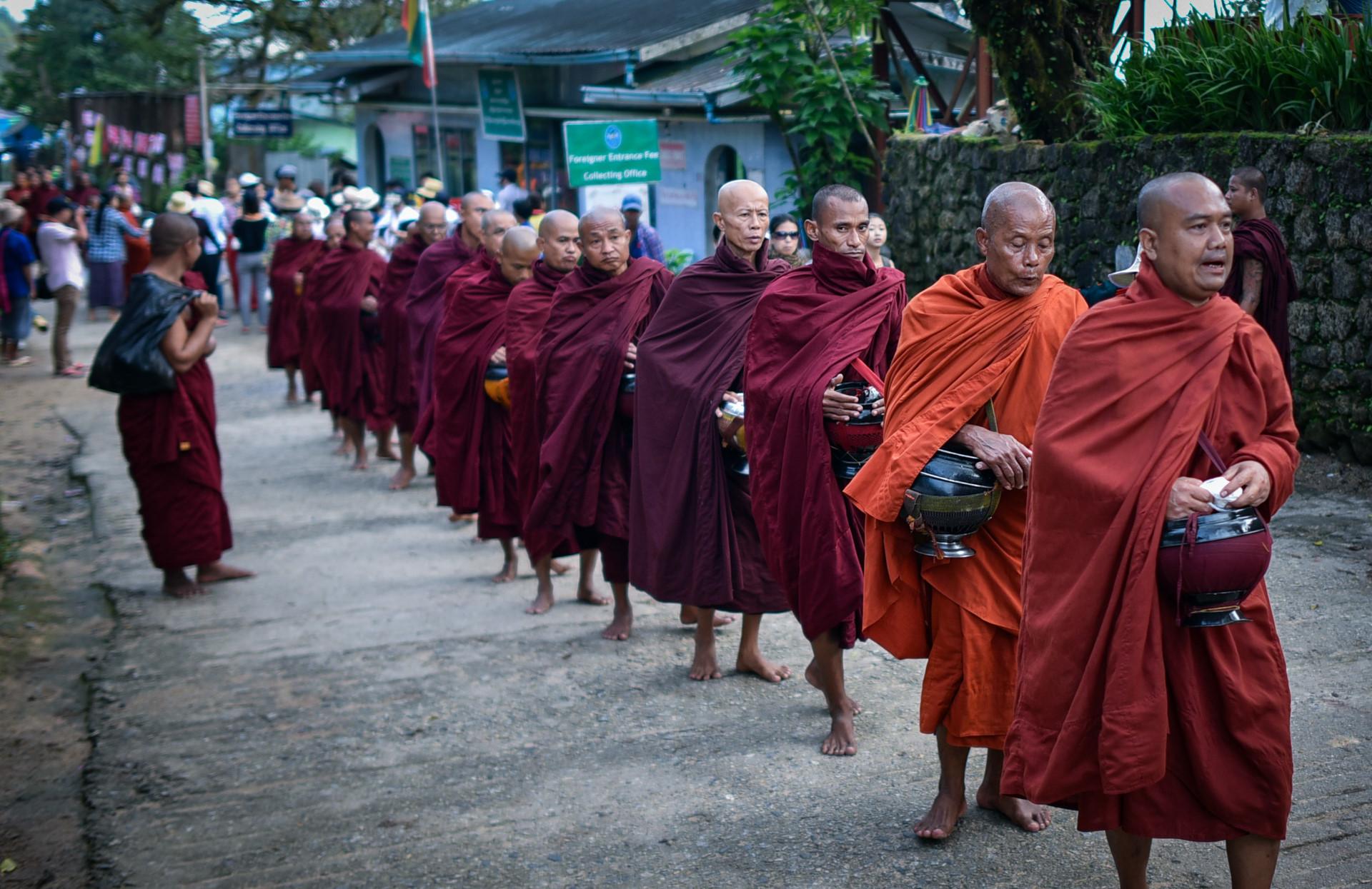 Thang 10 tuoi dep o Myanmar hinh anh 17