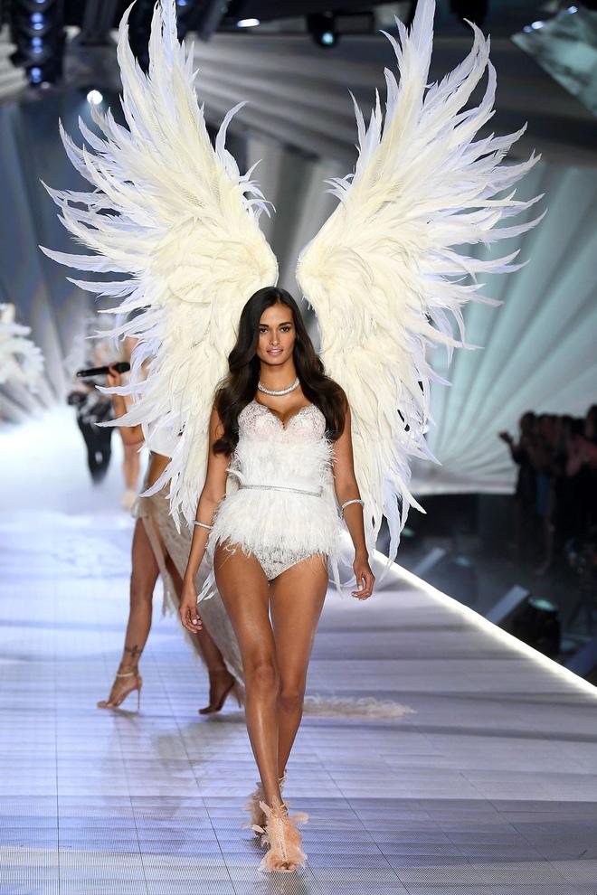 HOT: Chiêm ngưỡng những hình ảnh mãn nhãn của Victoria's Secret Fashion Show 2018 - Ảnh 14.