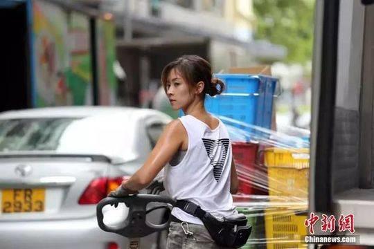 'Hot girl boc vac' Hong Kong: Da lam nghe 10 nam, tu choi vao showbiz hinh anh 6