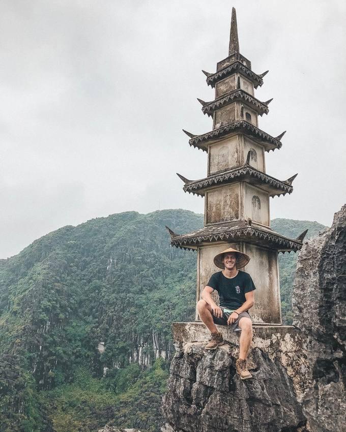 Ngọn tháp ở Ninh Bình hot nhờ giống cảnh phim cổ trang