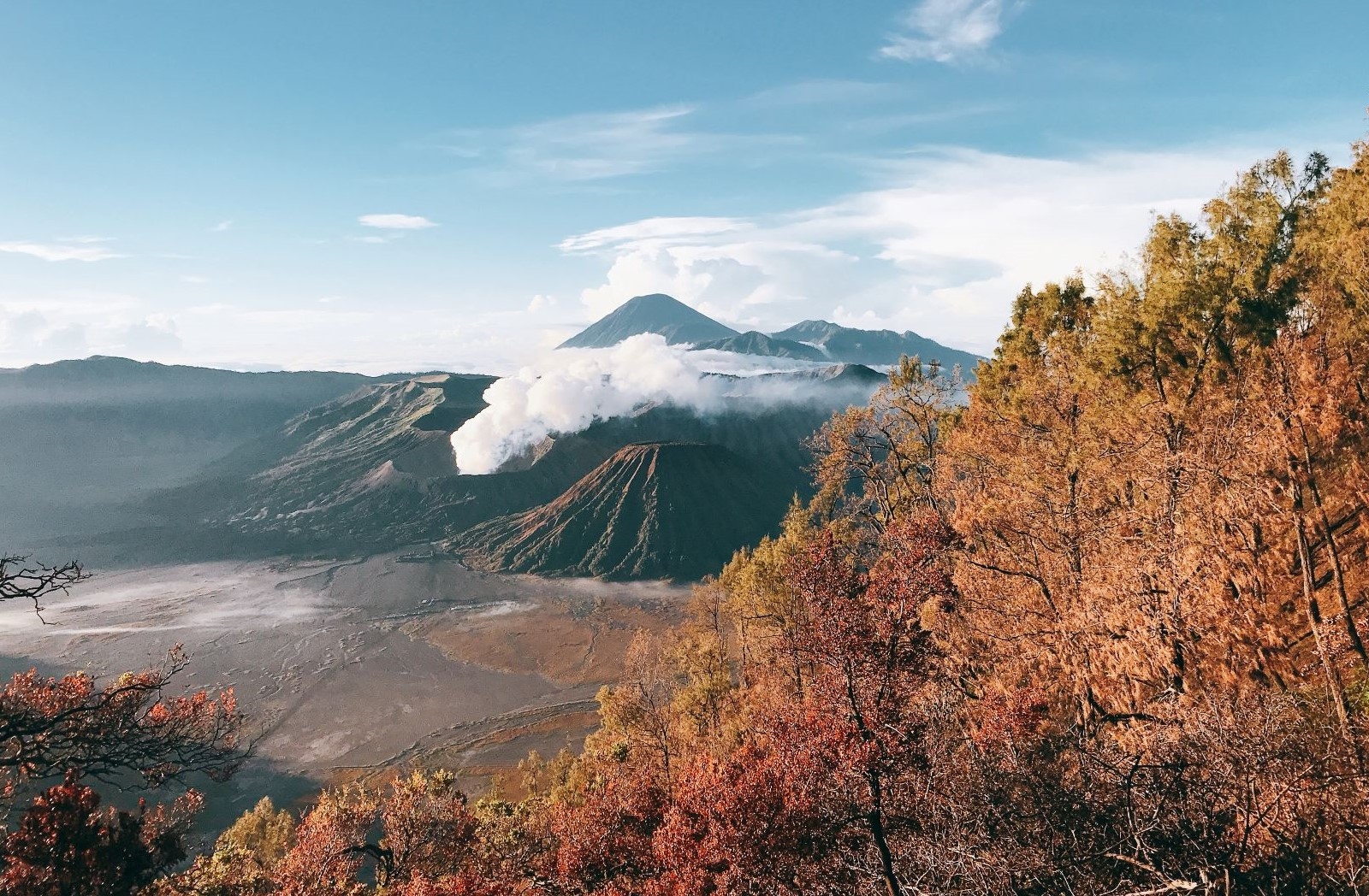 Den Indonesia, cham chan toi mieng nui lua Bromo hinh anh 53