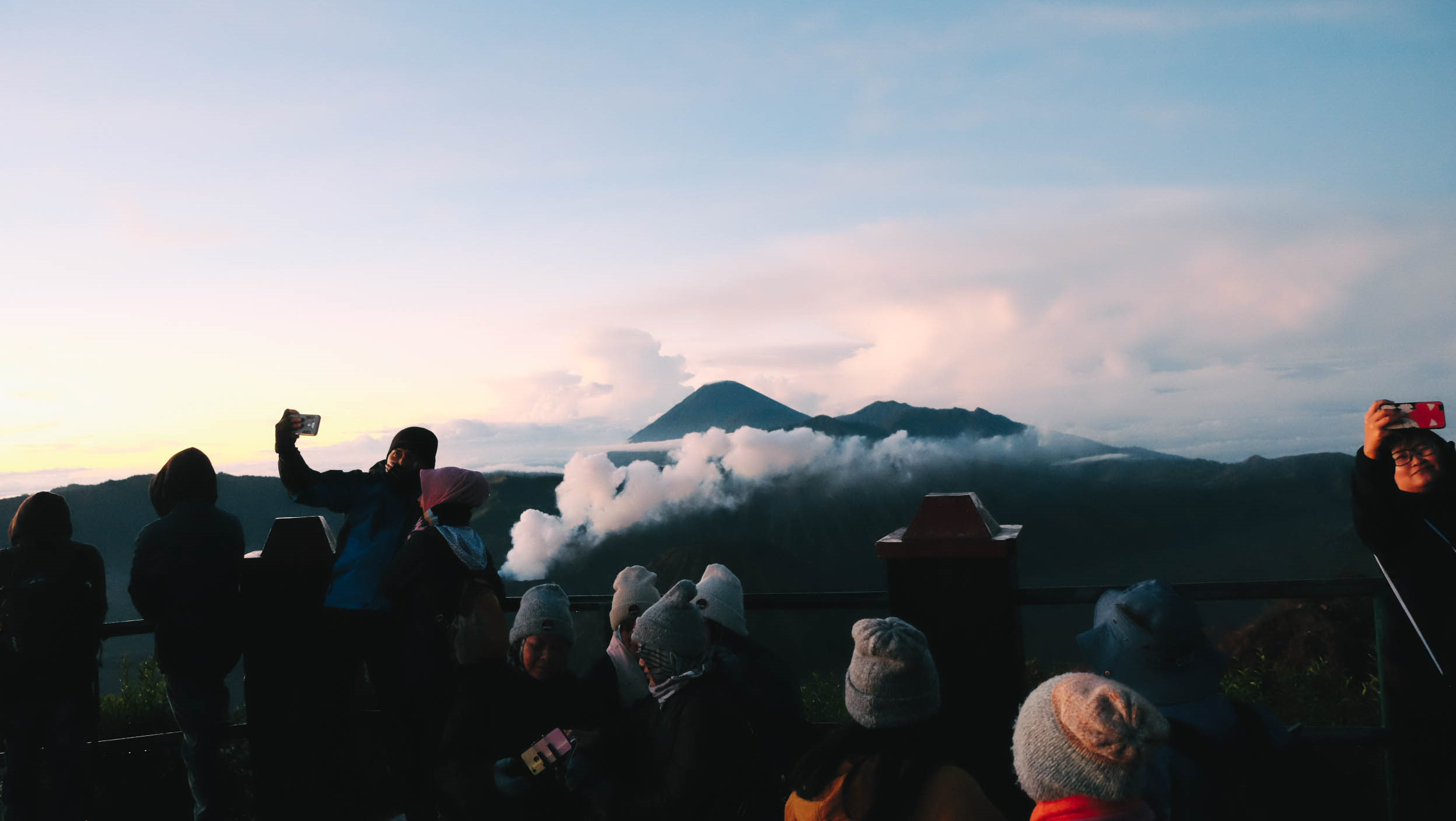 Den Indonesia, cham chan toi mieng nui lua Bromo hinh anh 41