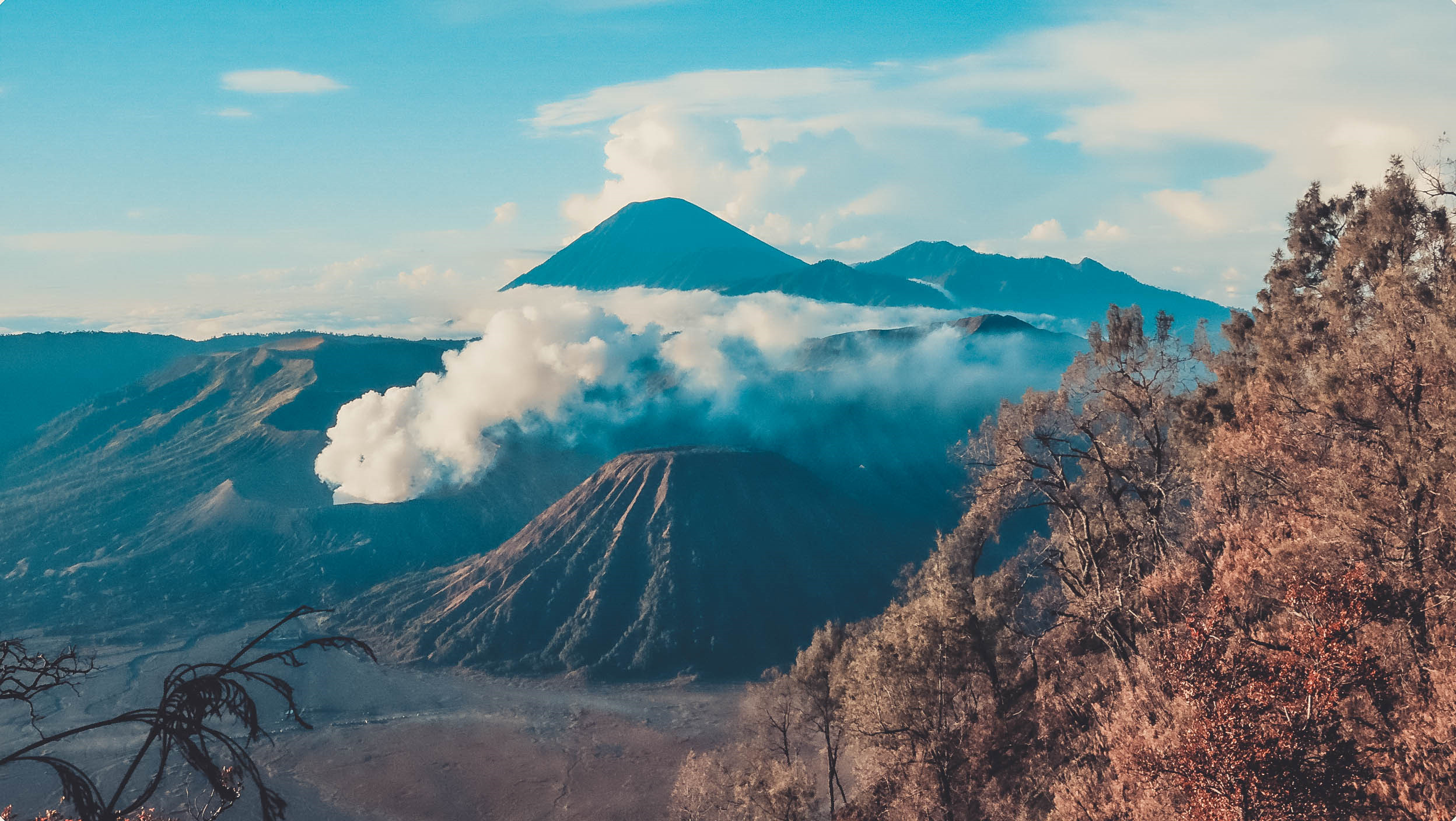 Den Indonesia, cham chan toi mieng nui lua Bromo hinh anh 44