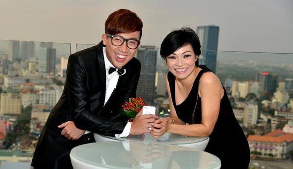 Phương Thanh ăn mặc trẻ trung sành điệu dự tiệc cưới Đoan Trang.