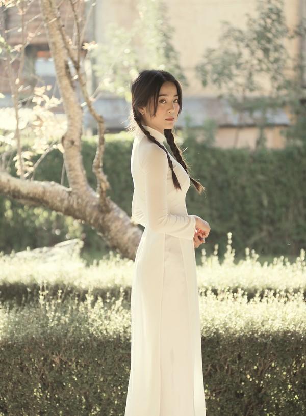 #EDTACNA, Hương Giang và chuyện nữ quyền thật ý nhị, đâu cần đao to búa lớn làm chi?