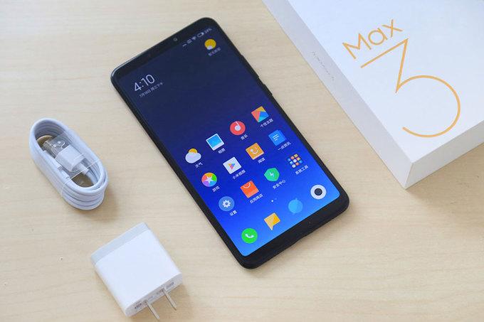 5 smartphone 'khổng lồ' giá rẻ
