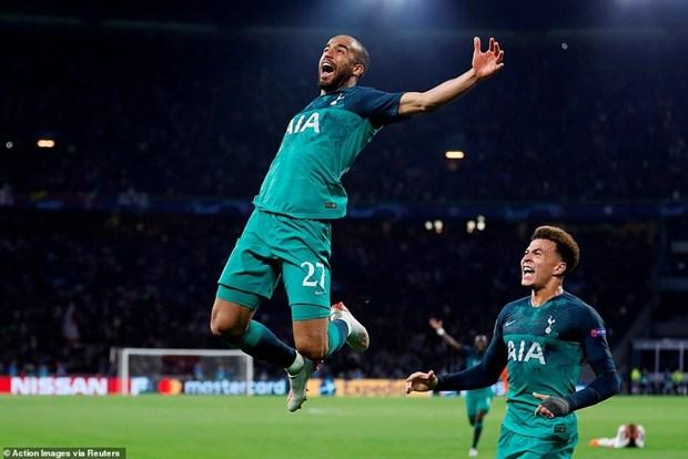 Moura lap hat-trick dua Tottenham vao chung ket day kich tinh hinh anh 2