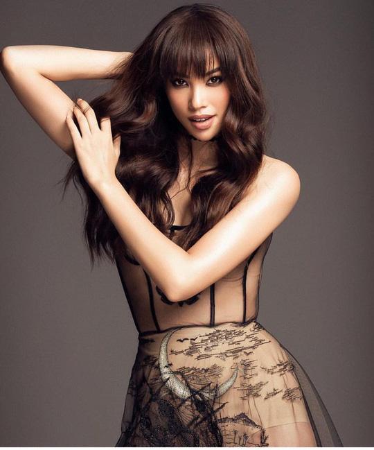 Ngay sau ồn ào bị bóc phốt dốt tiếng Anh, Hoa hậu Phạm Hương khẳng định không còn muốn hoạt động trong showbiz Việt-3