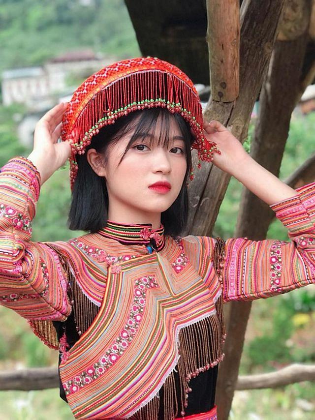 Xao xuyến nét đẹp trong sáng của cô gái dân tộc Giáy - Hình 6