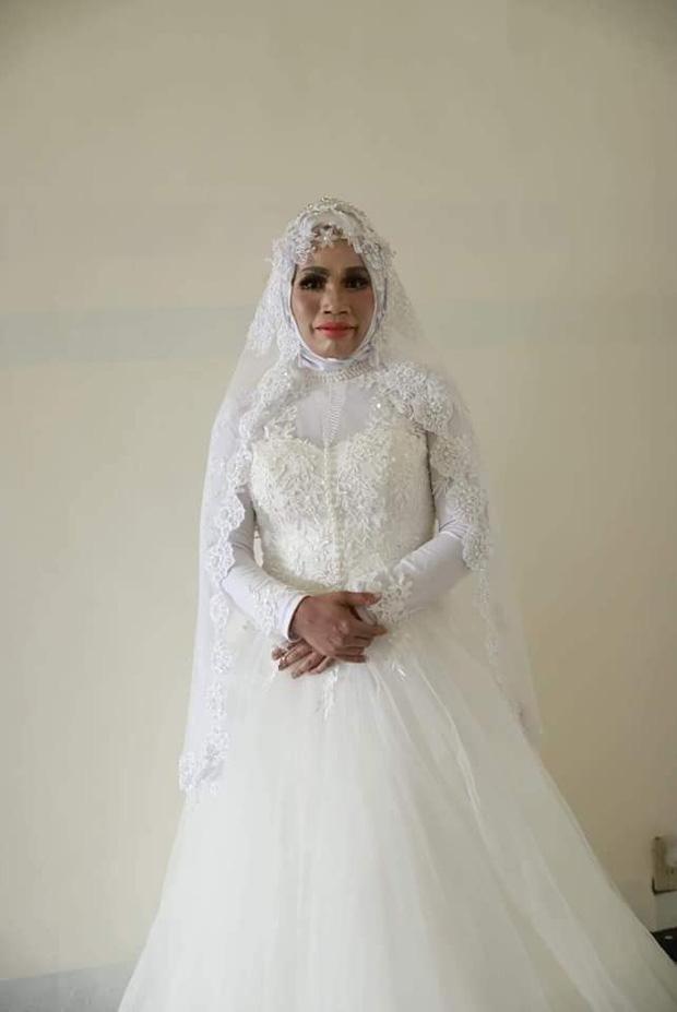 Yêu xa 2 năm, chú rể bất ngờ hủy hôn vào phút chót vì cô dâu hiện nguyên hình là bà cô già - Ảnh 2.