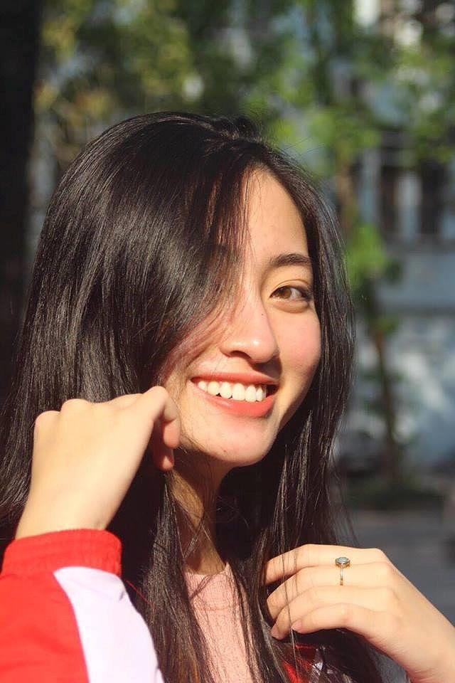 So nhan sắc mặt mộc của Hoa hậu Đỗ Mỹ Linh và Lương Thuỳ Linh - 17