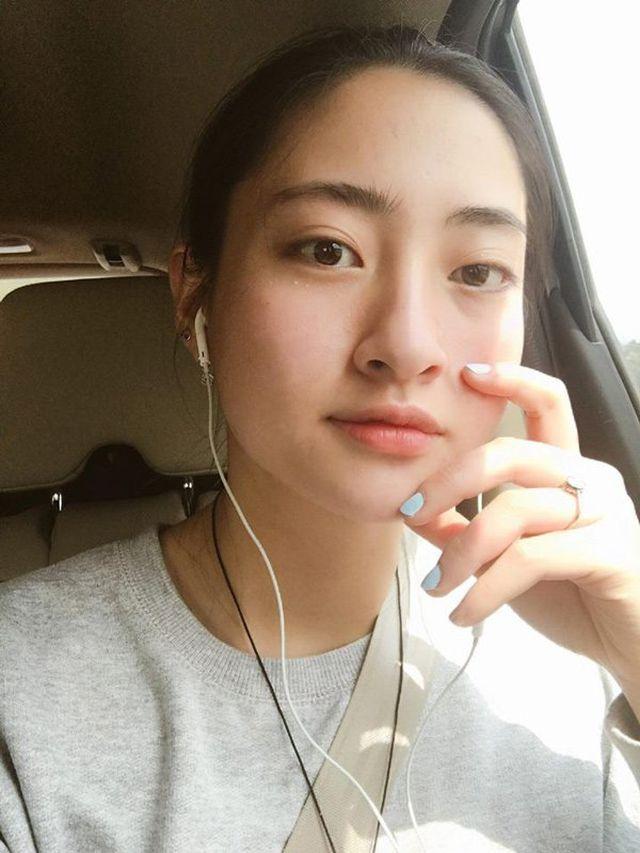 So nhan sắc mặt mộc của Hoa hậu Đỗ Mỹ Linh và Lương Thuỳ Linh - 16