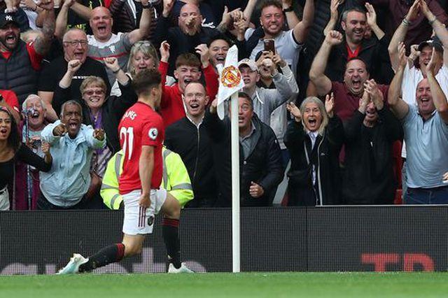 """Các """"bom tấn"""" của Man Utd ra mắt thành công rực rỡ trước Chelsea - 3"""