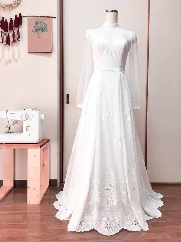 Cô gái tự tay may váy cưới cho mình khiến dân mạng phục sát đất: Đây chắc chắn sẽ là cô dâu xinh đẹp nhất! - Ảnh 2.