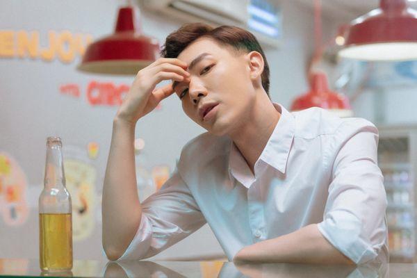 Erik coi lần comeback với ca khúc ballad này chẳng khác nào một sản phẩm debut.