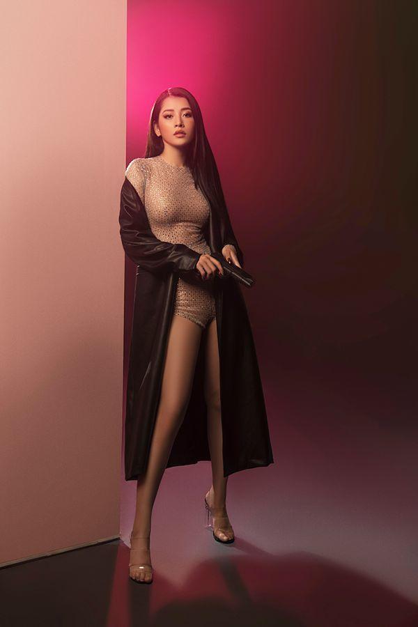 Hình ảnh đẹp mắt, vũ đạo ấn tượng nhưng sản phẩm mới nhất của Chi Pu lại chẳng đem về hiệu ứng thành công như cô đã từng làm được với Anh ơi ở lại.