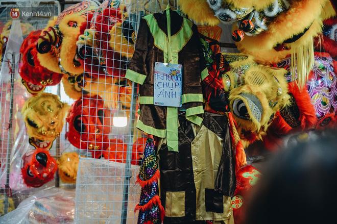 """Tiểu thương chợ Trung thu truyền thống Hà Nội đồng loạt treo biển """"Không chụp ảnh, hãy là người có văn hoá!"""" - Ảnh 9."""