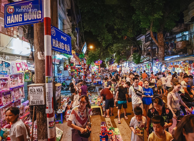 Tiểu thương chợ Trung thu truyền thống Hà Nội đồng loạt treo biển Không chụp ảnh, hãy là người có văn hoá! - Ảnh 5.