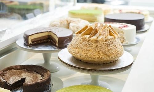 Bánh ngọt trong một cửa hàng của Lady M Confections. Ảnh: Manhattan Sideways.