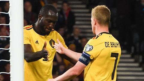 De Bruyne lập kỷ lục trong lần đầu đeo băng thủ quân ĐT Bỉ