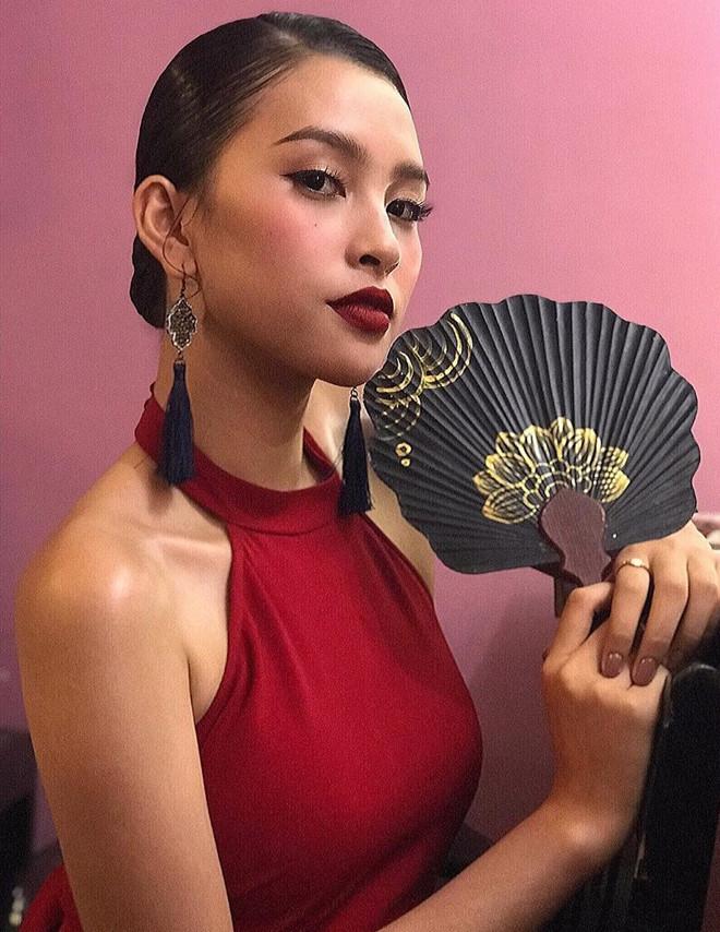 Top 3 Hoa hau Viet Nam - Tieu Vy nong bong, Phuong Nga cong khai yeu hinh anh 5