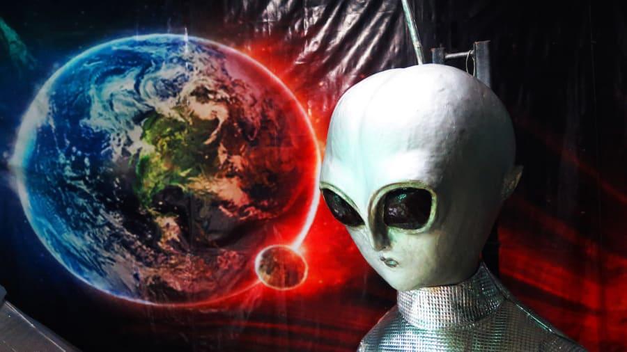 Đổ xô tới ngọn đồi bí ẩn ở Thái Lan tìm người ngoài hành tinh - 1