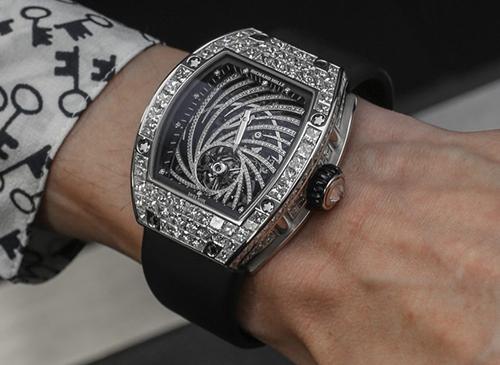 Một chiếc đồng hồ Richard Mille Tourbillon Diamond Twister. Ảnh: A blog to watch