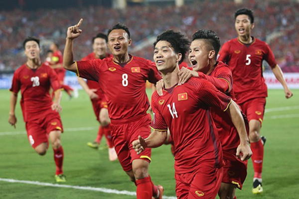 Việt Nam đấu UAE: Chiến thuật mới với Công Phượng, Quang Hải